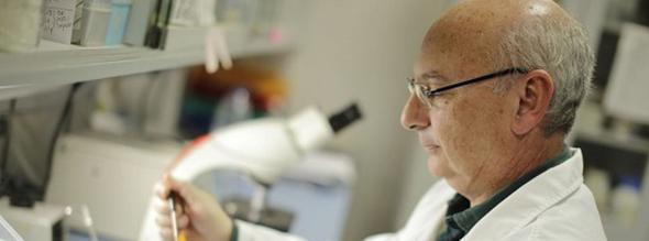 Francis-Mojica-Reial-Academia-de-Medicina-de-la-Comunitat-Valenciana