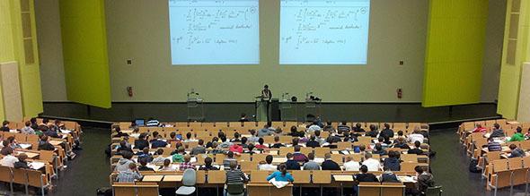 La-AVAP-recibe-210-solicitudes-para-la-acreditación-a-profesorado-doctor-de-las-universidades-valencianas